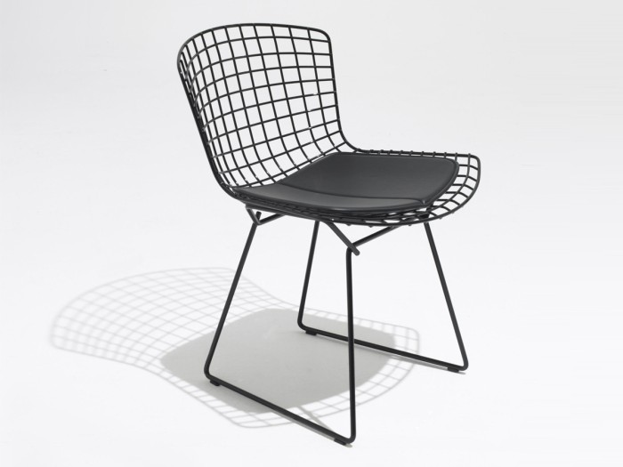 Bertoia-Outdoor-Side-Chair-black-with-black-sea-seat-cushion