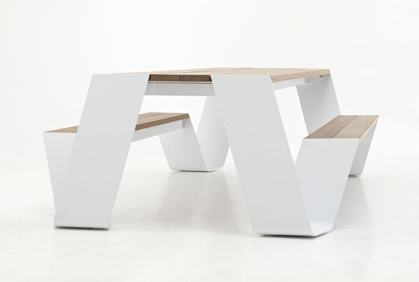 Innovative-Contemporary-Outdoor-Design-The-Hopper-Table-and-Seat-by-Extremis-homesthetics-3