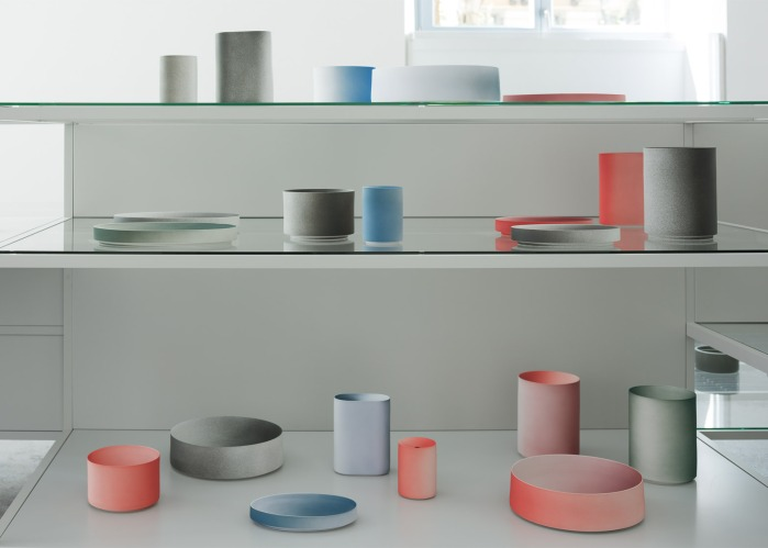 arita-2016-porcelain-tableware-collections_milan-design-week_installation_dezeen_1568_2