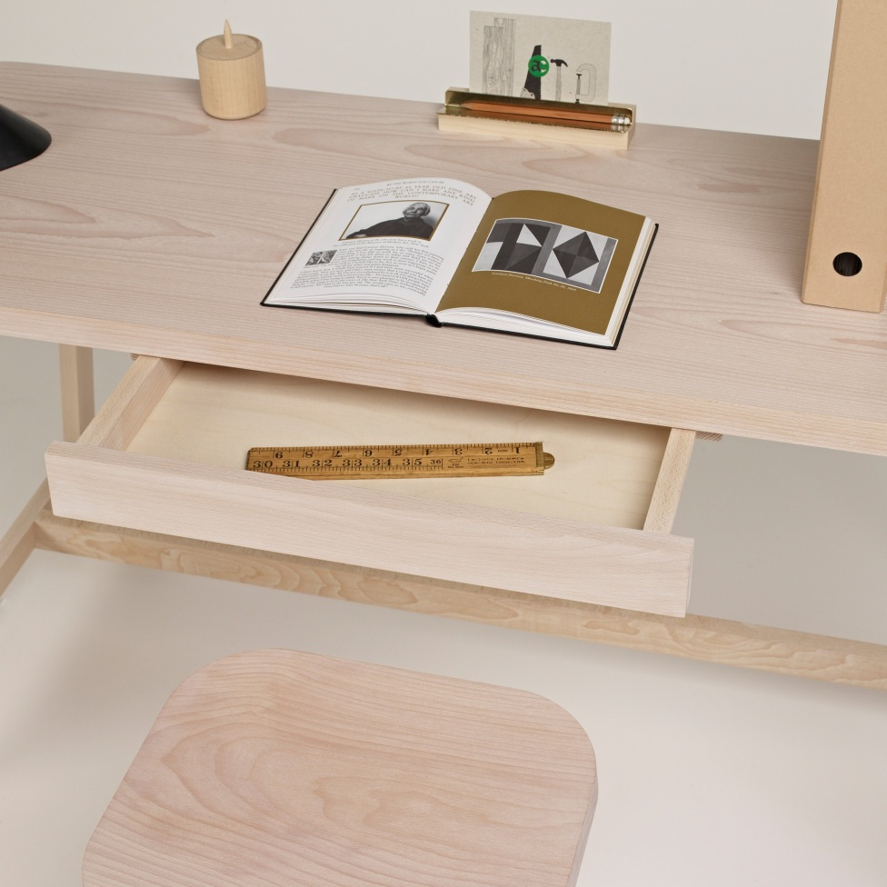 another-country-desk-three-beech-natural-006_2e444f8c-5211-4ee5-bb02-d2a840ec351a